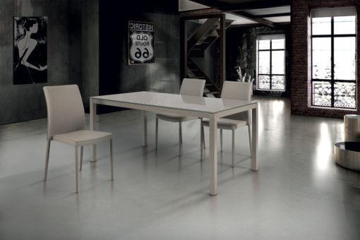 tavolo rettangolare allungabile in vetro temperato e struttura in metallo