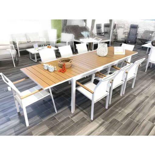 set da esterno con tavolo